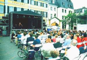 Olga and her Bonn audience